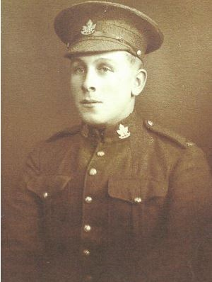 Portrait of Harry Auld in WWI military uniform